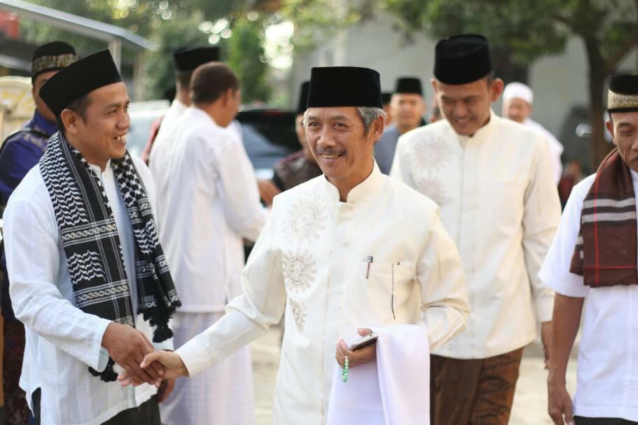 Kedatangan Bupati Pringsewu H Sujadi Saat Melaksanakan Sholat Ied di Masjid Pagelaran