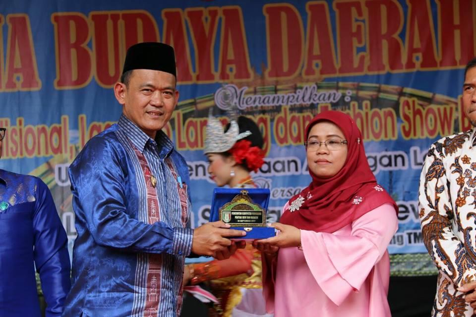 Wakil Bupati Pringsewu Hi.Fauzi menghadiri Pentas Seni Pesona Budaya Daerah Lampung - Sabtu 30 September 2017
