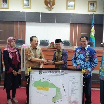 Bupati Pringsewu Hantarkan 350 Mahasiswa Universitas Sai Bumi Ruwa Jurai Yang Selesai KKN