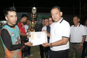 Wakil Bupati Pringsewu menghadiri penutupan Open Tournament Bola Volli Pekon Wates